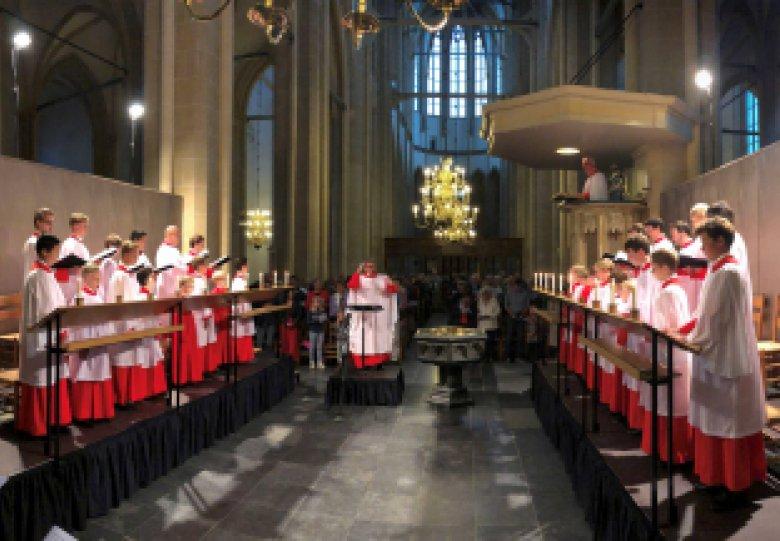 Choral Evensong gezongen door het Roder Jongenskoor