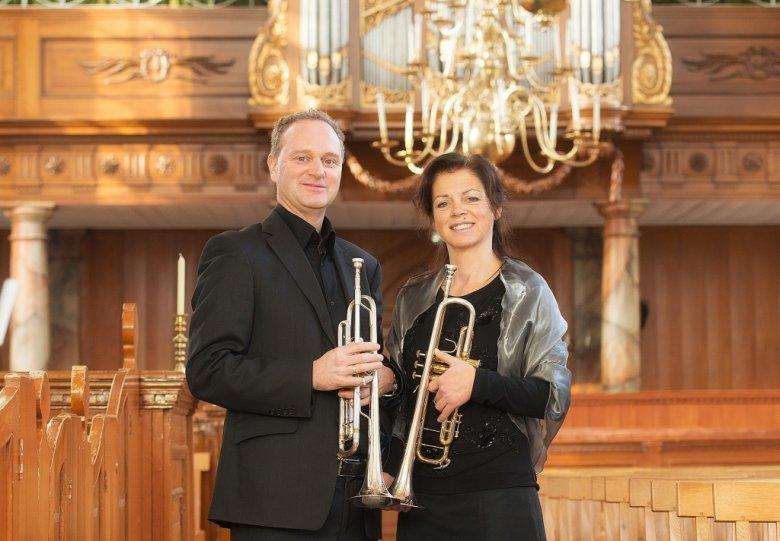 Feest met trompetten en orgel