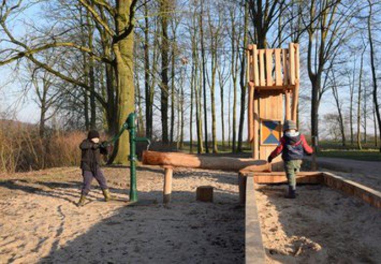 Educatief speeltoestel geïnspireerd op oude legende kasteel Doorwerth