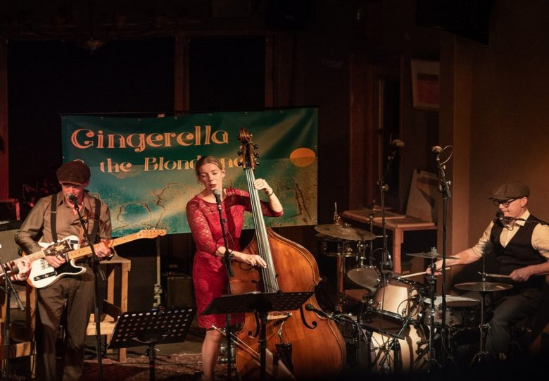 Art, Music & Wine – Gingerella and the Blondtones