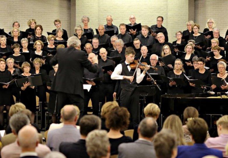 Traditioneel Herdenkingsconcert in de Bovenkerk