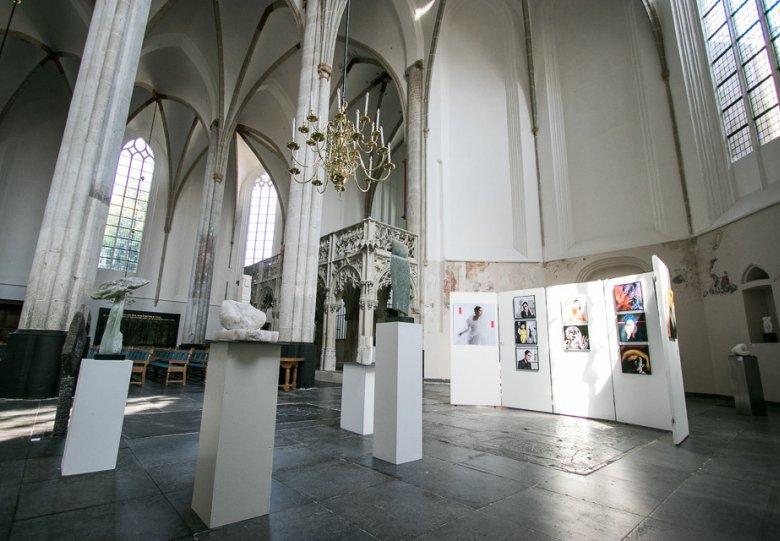 'Bespiegelingen' expositie in de Sint-Joriskerk
