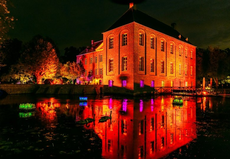Extra avonden Lichtkunstfestival Enchanted Gardens  Genieten van lichtkunst in de natuurlijke omgevi