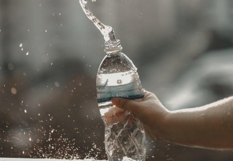 Fit en gezond in huis - Flesjes water