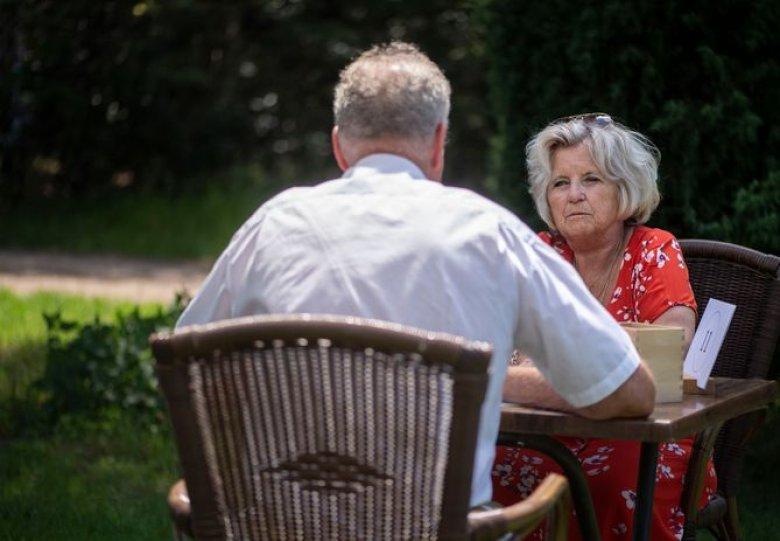 Senioren speeddate in wijngaard Winterswijk