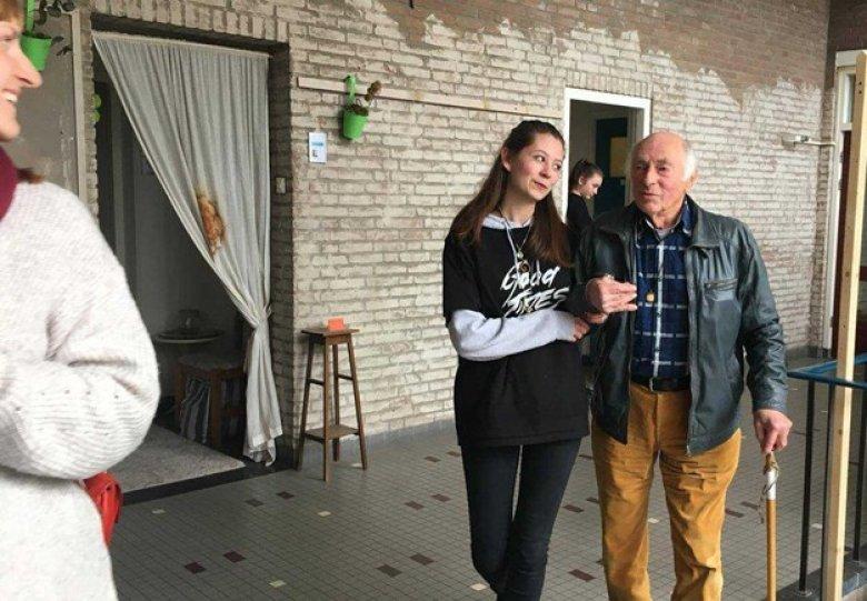 Theater na de Dam Luistervoorstelling 'Het kwam via de achtertuin' 75 jaar Herdenking en Bevrijding
